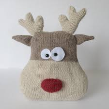 reindeer cushion knitting patterns amanda and berry