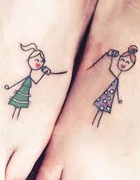 table de tatouage tatouage sœurs nos idées de tatouages entre sœurs elle