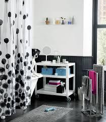 Dorm Room Shelves by 20 Dorm Room Essentials For The New Semester