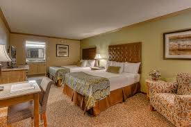 accommodations by willow brook lodge hotel in pigeon forge tn