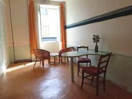 chambre hote die chambre rue table coin salon et balançoire photo de chambres