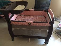 Changing Table For Pack N Play Graco Pack N Play W Changing Table And Bassinet For Sale In