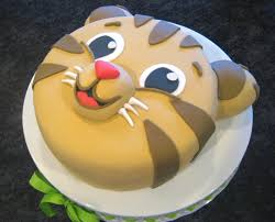 How To Become A Cake Decorator From Home Best 20 Tiger Cake Ideas On Pinterest Cake Decorating Supplies