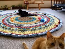 tappeti fai da te regali fai da te per il gatto il tappeto multicolore
