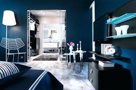 chambre bleu marine chambre bleu nuit la peinture chambre se met en quatre pour