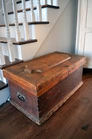 fabrication de coffre en bois antique wooden carpenter trunk chest in rustic pine