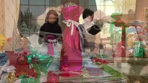 kringle express 60 e z drawstring gift bag bow set