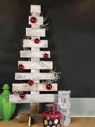 pallet christmas tree make a christmas tree from wooden pallets