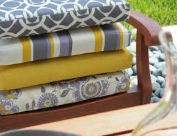 Garden Chair Cusions Learn How To Sew Up A Quick And Easy Box Cushion In Just 7 Steps