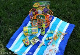 theme basket ideas 25 themed easter baskets