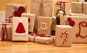 How To Wrap Gifts - inexpensive gift wrap ideas using yarn the shady acre