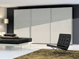 comment poser une porte de chambre installer des portes de placard coulissantes décoration