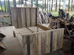 How To Make A Platform Bed Frame With Pallets by How To Make A Pallet Bed