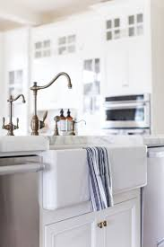 White Kitchen Faucet by Best 25 Clean White Sink Ideas On Pinterest White Diy Kitchens