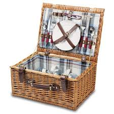 wine picnic basket 13 best wine country picnic baskets images on