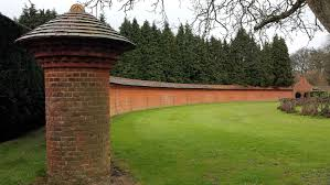 Curved Garden Wall by Great Gardens Even In April Showers U2013 Ebts