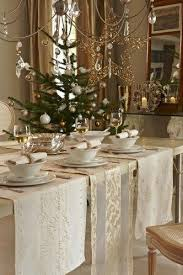 gold christmas table runner chagne christmas tablescape