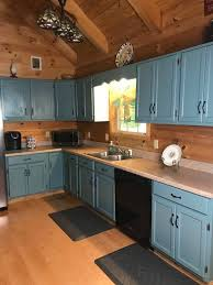 how to paint kitchen cabinets without streaks painting cabinets with valspar cabinet enamel how to do it