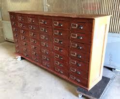 meuble de metier industriel ancien meuble de métier 40 tiroirs provenant d u0027une banque ou d u0027un