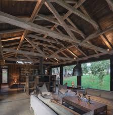 Maison En Bois Interieur Une Grange En Bois Transformée En Jolie Maison De Vacances Rénovée