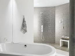 carrelage noir brillant salle de bain 12 salles de bains pour choisir son carrelage et sa faïence