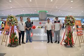 Local Presence Motorola Boosts Local Presence With Opening Of Sm Moa Kiosk Now