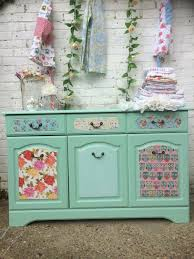 shabby chic sideboard à la pinterest in chalk paint and decoupage