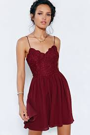 14 marsala colored clothes in the new color of the year