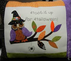 spirit halloween moore ok celebrating halloween in quilts quilt inspiration bloglovin u0027
