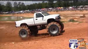 monster truck crashes video video blown chevy mud truck romps through bogs onedirt