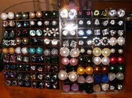how to store stud earrings