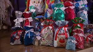 kringle express 50 ez drawstring gift bag set with tags on