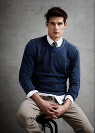 how to wear a navy crew neck sweater with a white dress shirt
