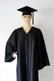 cap and gown bachelor cap and gown common size gradwyse