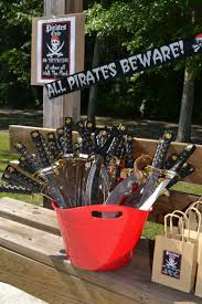 Pirate Halloween Party Ideas by Best 25 Pirate Party Centerpieces Ideas On Pinterest Pirate