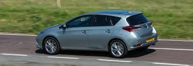 toyota auris toyota auris u2013 petrol diesel or hybrid carwow