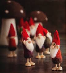 gnomes family tree ornaments set of 12 nova68