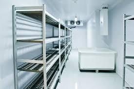 photo chambre froide voici comment un restaurant change la charnière de sa chambre froide