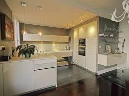 cuisine blanche et grise prepossessing cuisine blanc mur gris design table manger for alno