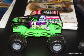 monster truck show chicago 2014 chiil mama incoming win 4 monster jam tickets for allstate arena