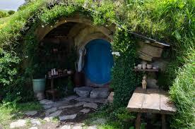 hobbit hole file hobbit hole jpg wikimedia commons