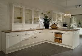 küche landhausstil modern landhausküche weiß herrlich auf küche zusammen mit oder in