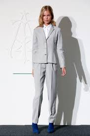 what color goes with gray pants what color shoes go with a women s grey suit style guru fashion