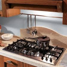 come pulire il piano cottura impara a pulire il piano cottura