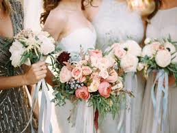 wedding flowers questions to ask 7 questions to ask your wedding florist mywedding