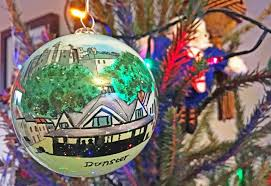 5 decorations from around the world baubles