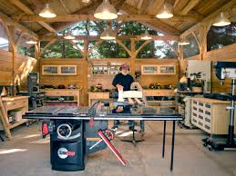 Are There Any Woodworking Shows On Tv by Best 25 Woodworking Shop Ideas On Pinterest Workshop