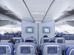 siege d avion vol intérieur d avion à bord avec le moniteur d écran de rangée de