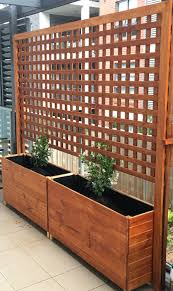 Trellis As Privacy Screen Freestanding Privacy Screen Trellis Grid Pattern Almost Has An