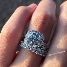 What Finger Does The Wedding Ring Go On by What Finger Does Your Engagement U0026 Wedding Ring Go On Kamdora